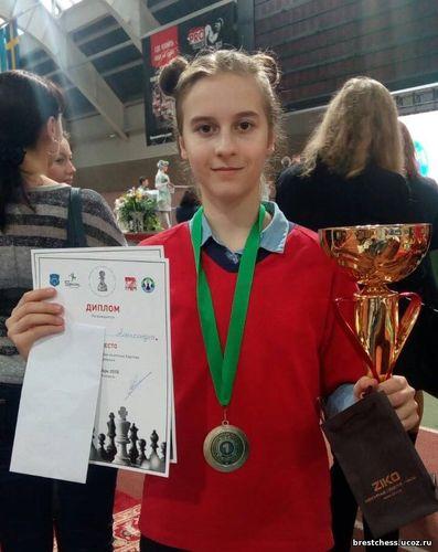 12-летняя брестчанка Александра Тарасенко стала чемпионкой Беларуси по шахматам